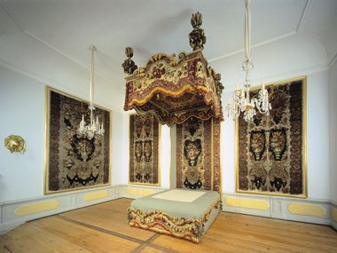 The fabled Feather Room with ist unique tapestry at Moritzburg Castle